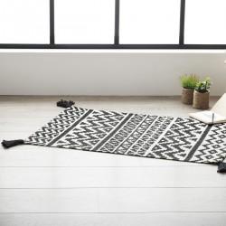 Tapis en coton à motifs et pompons 60X90cm DELHI - Noir et crème